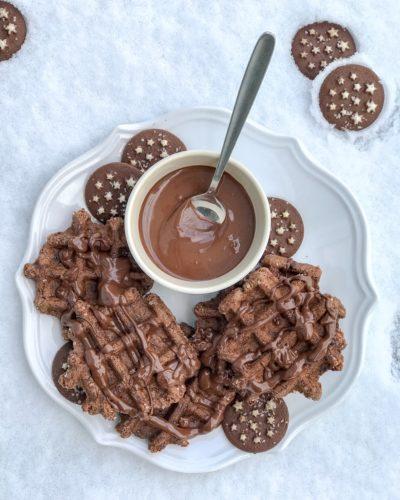 Waffle al cioccolato (con pan di stelle)